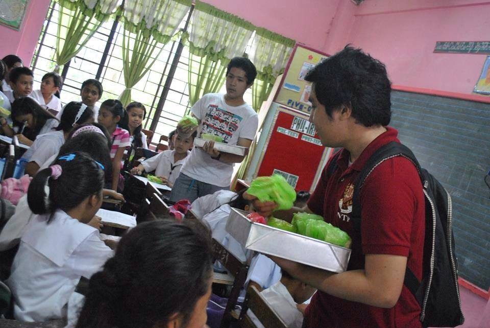 effects in school feeding program Deped works with lgus and private partners like jollibee (busog, lusog, talino program) for other feeding programs outside sbfp school canteens are also tasked to help in the elimination of.